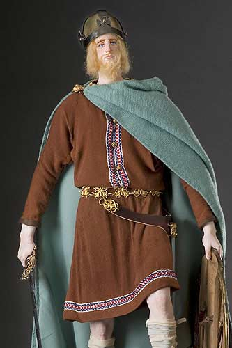 Portrait length color image of Alfred the Great aka.