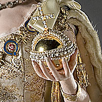 Left close up color image of Elizabeth II aka. Queen of the United Kingdom , by George Stuart.